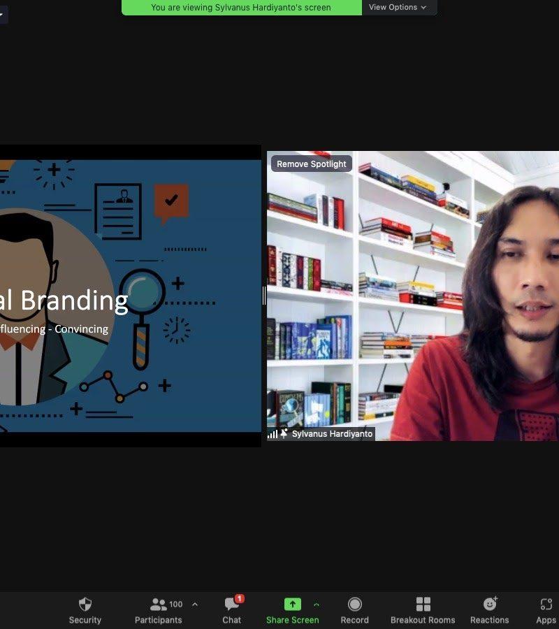 "Pelatihan LinkedIn Profesional dengan tema, ""101 : Tips & Trick Optimalisasi Profil LinkedIn"""